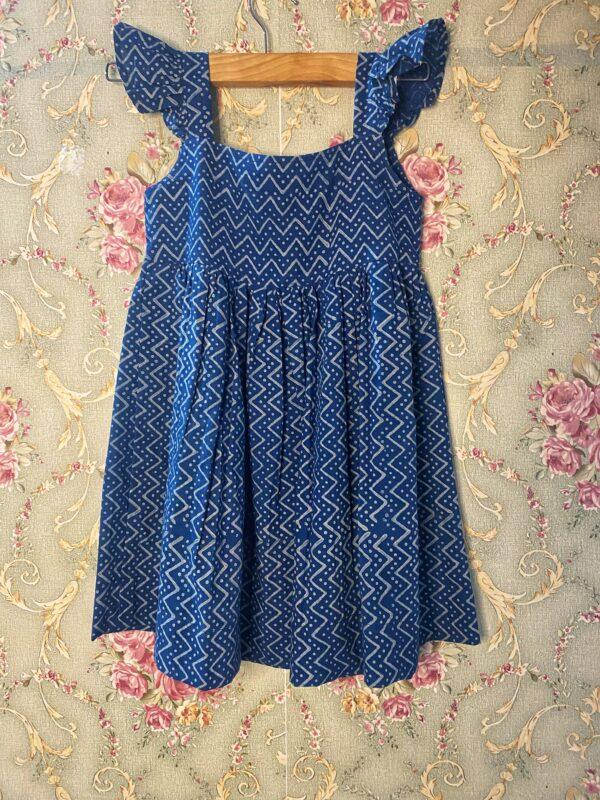 Indigo dress in zig zag prints